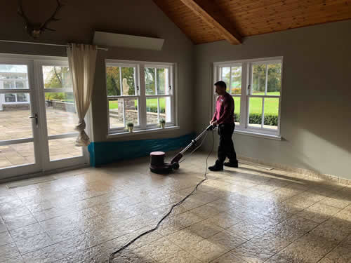 cleaning tiled flooring in dundee and angus